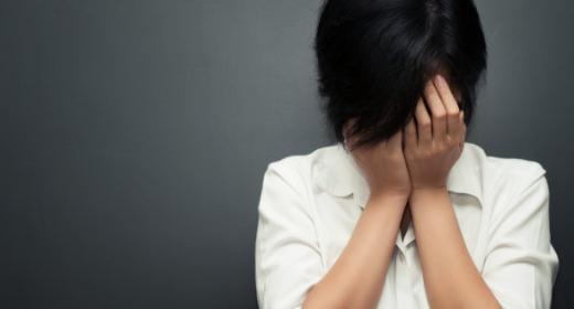 Japon: une ado forcée à teindre ses cheveux attaque son école en justice